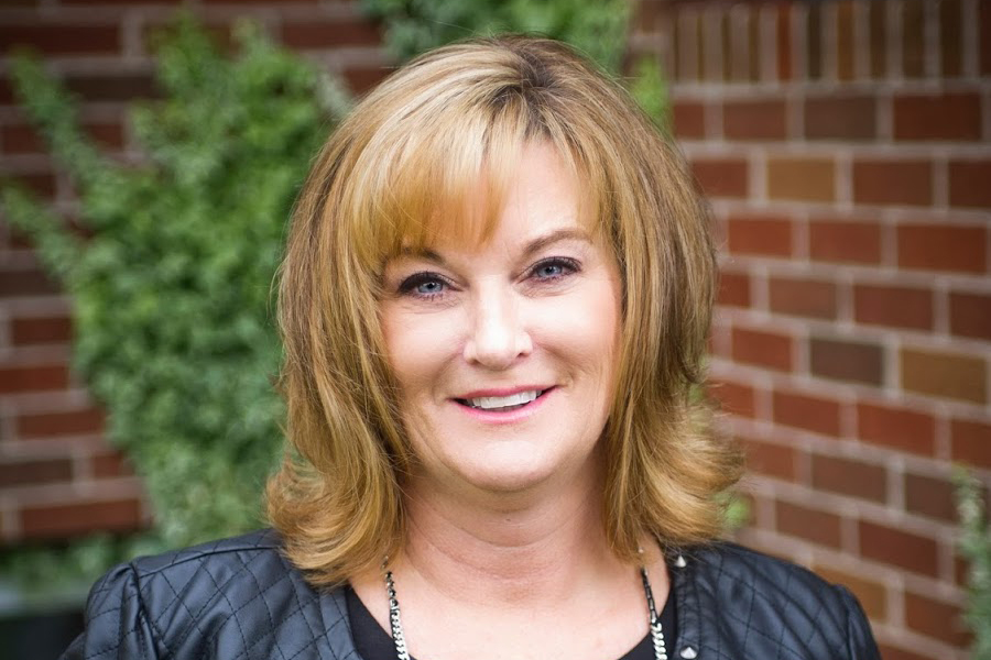 Photo of Collins Homes & Renovations Sales & Marketing expert Cheryl Longmire
