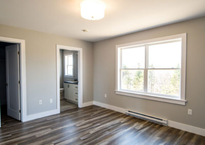 Spacious master with en-suite and walk-in closet on second floor great for first time home buyers
