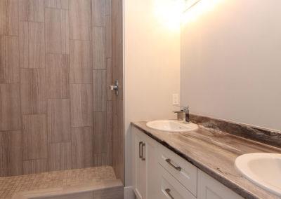 Oaken Hills - Bathroom